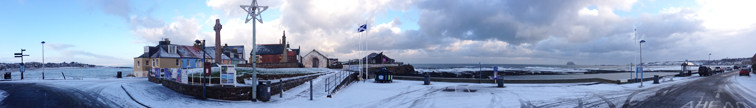 Panorama of North Berwick Melbourne Rd with snow by Ian Goodall